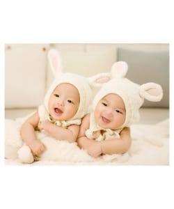 wickeltasche zwillinge hasenohren lachend