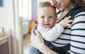 Trage für Neugeborene